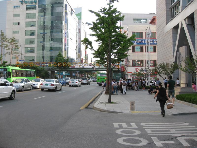 普通の韓国を探して2900 江陵市の中心部に来ました: たかとう矯正 ...